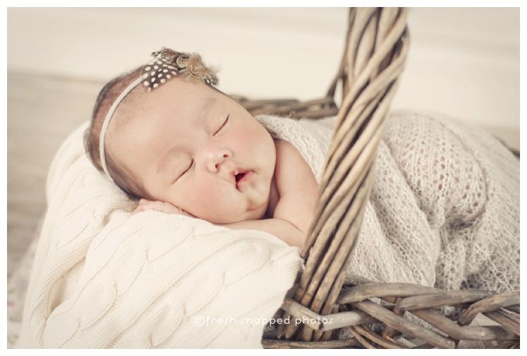 sheboygan, wi, wisconsin, photographer, photography, newborn, baby, child, children, kids, kid, studio, vintage